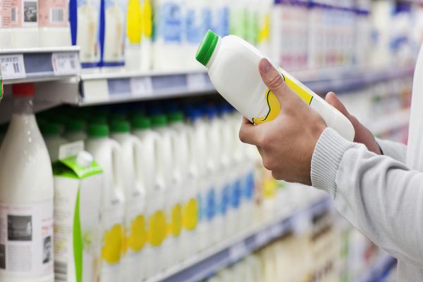 تفاوت شیر سنتی و شیر صنعتی
